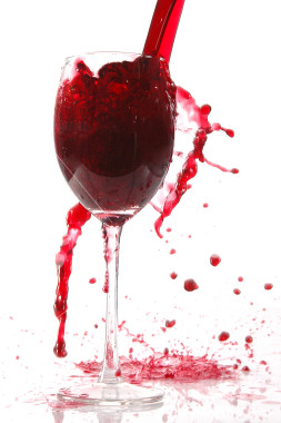 Istockphoto_2577305_pour_wine_into_glass